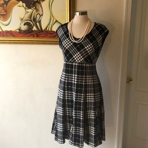 Black and White cap sleeves dress